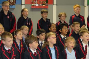 Hearty Singing of Lucky Stars
